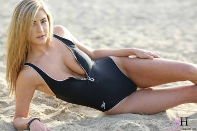 blackswimsuit-1