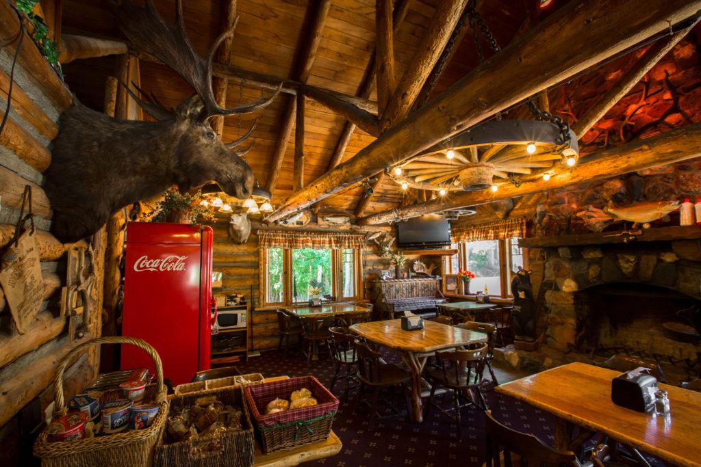Bishop Creek Lodge  Bishop California Cabins and Lodging