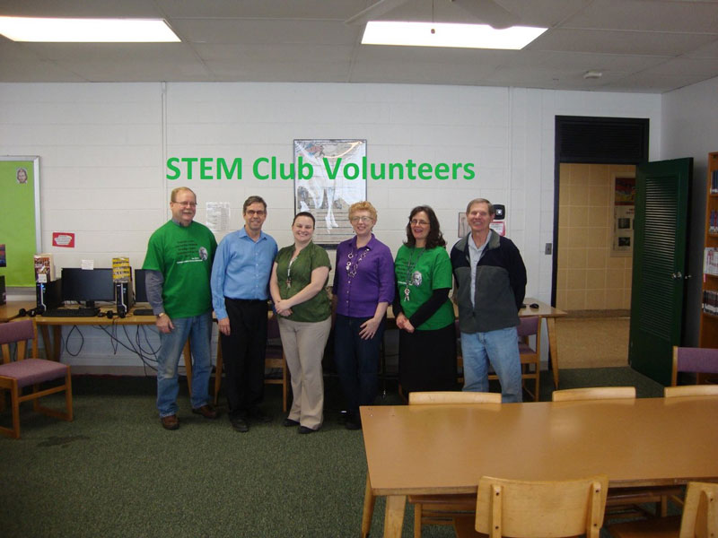 STEM-Club-Volunteers--bishop-ludden
