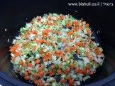 מרק ירקות - טיגון הירקות הקצוצים 1