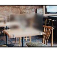 Des cloisons pratiques et esthétiques – Pince de table latéral