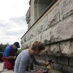 Sanierungsarbeiten Bismarckturm Weißenfels 2012 - Verfugen im Außenbereich
