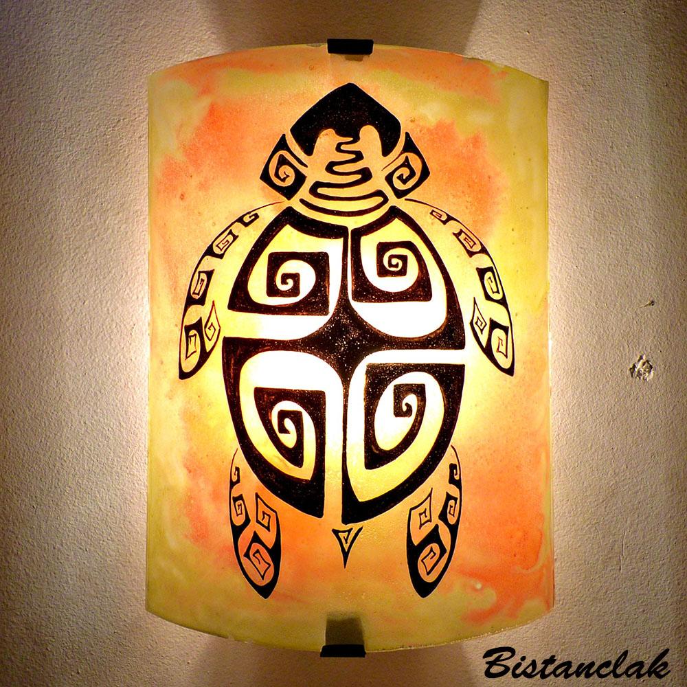 Applique Murale Dambiance Jaune Orange Motif Tortue Maori
