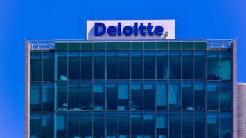 New Deloitte Survey Finds Over 70% of Executives Are 'Blockchain Experts' 4