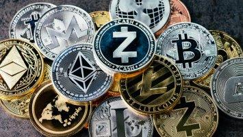 coingecko publishes q3 crypto report btc outperformed every major asset class altcoins decouple