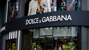 italian luxury fashion house dolce gabbana sells nft collection for 5 7 million