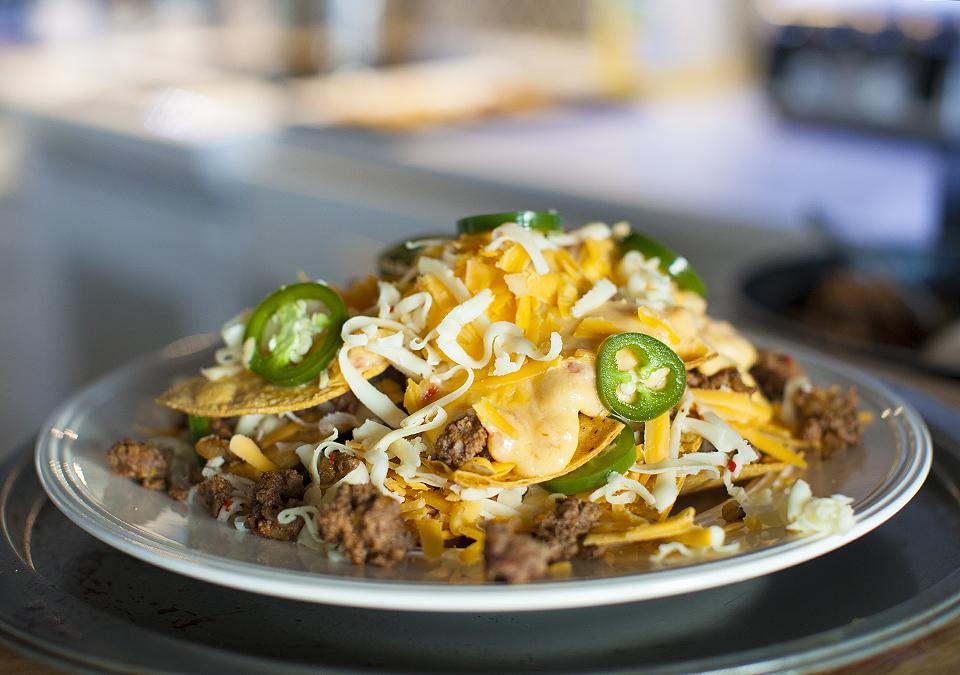 super bowl nachos – the perfect pregame activity