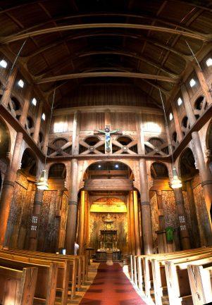 Najveća norveška tradicijska drvena crkva (stavkirke) , Heddal stavkirke potječe iz 13. stoljeća, a obnovljena je polovicom 19. st.