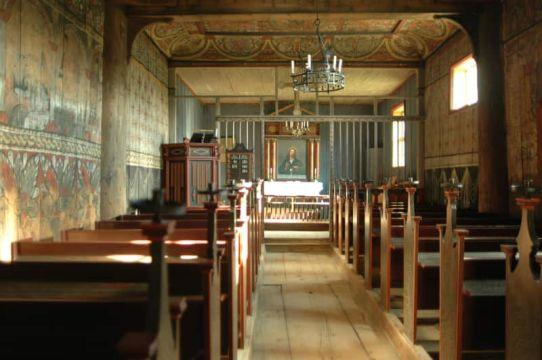 Jedna od najočuvanijih norveških drvenih crkava podignuta je krajem 13. stoljeća.