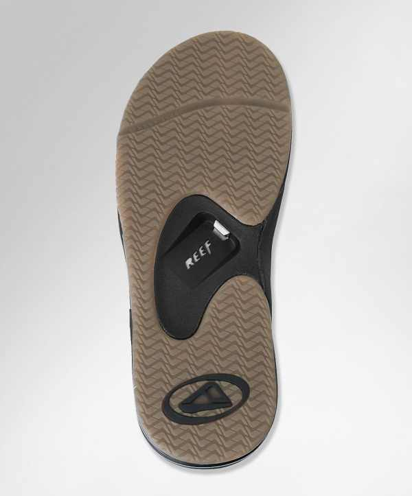 Flip Flop Bottle Opener Makes Macgyver Of