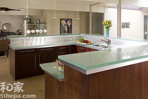 square kitchen sink ceiling paint 时尚厨房新选择 10款新型玻璃橱柜台面(图) - 家居装修知识网