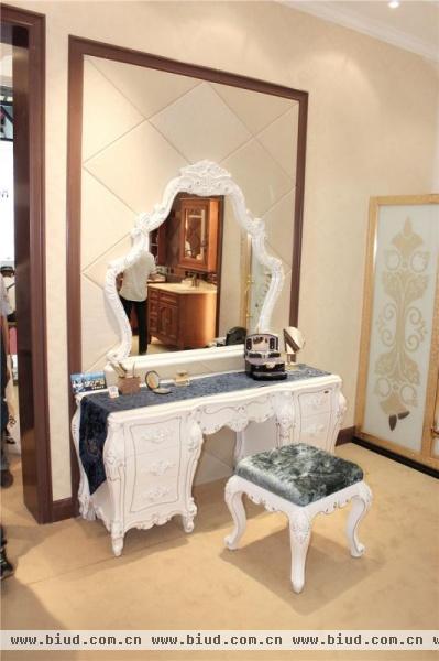 [上海廚衛展]盡顯貴族風情 歐式豪華型浴室柜 - 家居裝修知識網