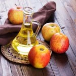 Cara Mengatasi Rambut Rontok dengan Cuka Sari Apel (Apple Cider Vinegar)
