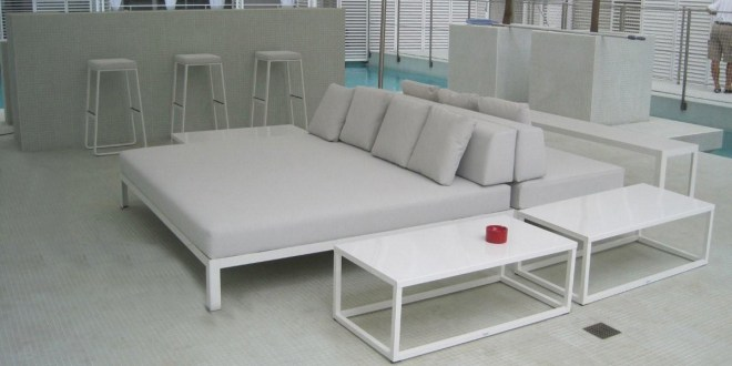 20121004160758_El-patio-blanco-Ibiza-4