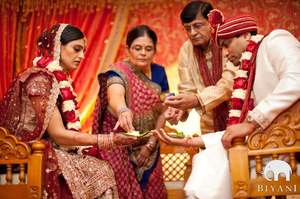 Indian Wedding Photography  Gujarati Wedding Ceremony  Austin TX  Biyani Indian Wedding