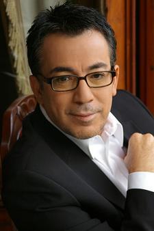 Ses sanatçısı Özhan Eren