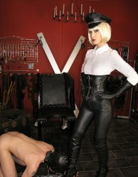 Fetish Liza in Blond Wig and Military Outfit Gets Her Boots Licked