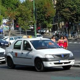 Una dintre cele mai mari stații taxi din Centru va fi desființată pentru a se face loc autocarelor