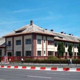 Procedura birocratică de reabilitare cu soluții inteligente a unor școli se apropie de final, după aproape doi ani de la primirea banilor nerambursabili de la elvețieni