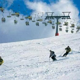 Patronatele din turism vor să atragă românii la munte înainte de sărbători