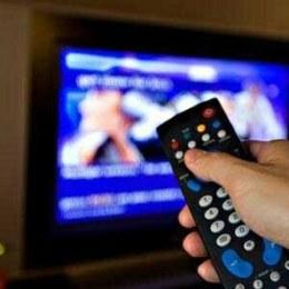 Un operator telecom se adaptează vremurilor de stat acasă și oferă stick-uri care transformă orice tv într-unul smart