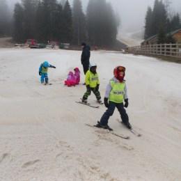 Pe ce pârtii din Poiană se va mai putea schia în acest weekend