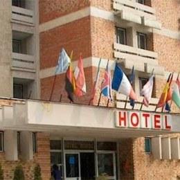 Primăria Sfântu Gheorghe vrea cel puțin 745.000 de euro pe fostul hotel al lui Neculaie