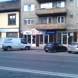 Moş Ion Roată a investit 80.000 de euro într-un magazin de biciclete la Braşov