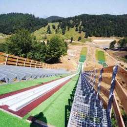 Râşnovul va găzdui, din nou, o etapă de Cupă Mondială de sărituri cu schiurile. Vezi aici programul competiţiilor sportive de la Râşnov