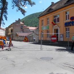 """Tot mai multe şantiere se deschid în """"buricul târgului"""": de joi, şi pe strada Mihail Sadoveanu"""