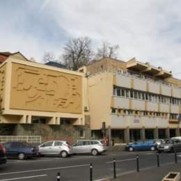 Peste 400 de locuri de muncă sunt vacante în județul Brașov