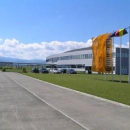 Continental angajează 180 de persoane pentru a putea produce la capacitate maximă în fabrica de la Brașov