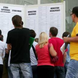 Brașovul, printre județele în care tinerii fără job pot obține 25.000 de euro pentru a-și deschide o afacere. Care sunt condițiile de eligibilitate