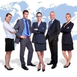 Brașovul este al patrulea oraș după numărul anunțurilor online de recrutare de manageri. În unele cazuri, firmele susțin financiar stagiile de MBA