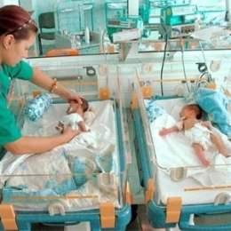 Pentru a încuraja natalitatea, Primăria vrea să le dea brașovenilor un cadou pentru fiecare nou-născut, în valoare de 1.500 de lei