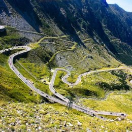 Transfăgărășanul, printre cele mai periculoase 15 drumuri din lume