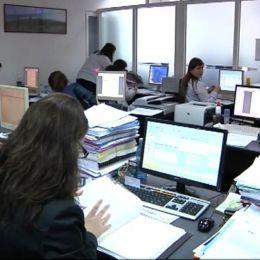 Veşti bune pentru bugetari: Angajaţii ar putea avea parte de o nouă minivacanţă