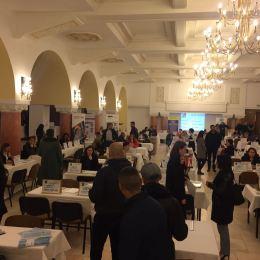 Mulți angajatori, puțini candidați, la Bursa Locurilor de Muncă din Brașov