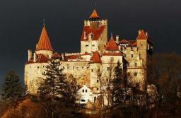 """Lucrările de construcție la """"Tunelul Timpului"""" de la Castelul Bran, o investiție de un million de euro, sunt aproape de finalizare"""