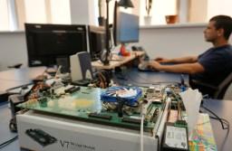fwdBV #12: O companie din Brașov produce tehnologie de top pentru mobile și camere foto-video. Huawei și Fjitsu, printre clienții săi