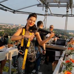 """Cina la înălțime vine cu prețuri """"promoționale"""" la Brașov. 45% din locuri au fost deja vândute"""