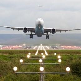 CJ Brașov semnează astăzi contractul în valoare de 11,6 milioane de euro pentru balizajul aeroportului