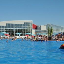Investiția de 1,5 milioane de euro în extinderea Paradisului Acvatic va începe la vară. Se va construi și un centru comercial