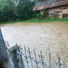 Se anunță noi drame: Cod portocaliu de inundații în județul Brașov