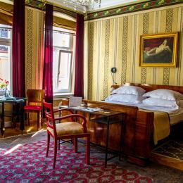 Booking.com: Topul celor mai bine evaluate unități de cazare din Brașov, în funcție de părerile turiștilor care le-au trecut pragul
