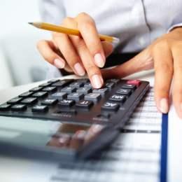 Un expert contabil câștigă, în medie, peste 2.300 de lei la Brașov