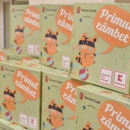 Viitoarele mame din Brașov vor primi gratuit, de azi, cutia cu lucruri necesare în primele zile de viață ale copilului