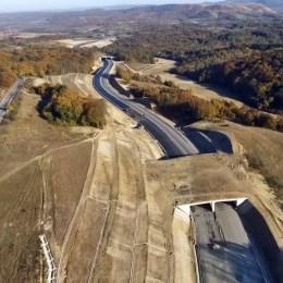 Proiectarea autostrăzii Brașov – Bacău, scoasă la licitație. Este singurul traseu rentabil pentru legătura spre Moldova