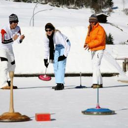O tiroliană mobilă și o pistă de curling bavarian, noile atracții din Poiana Brașov, în acest sezon de iarnă