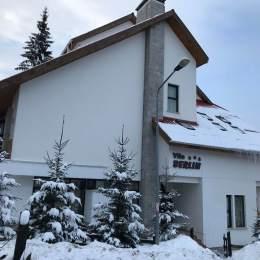 O familie din Bârlad s-a extins în afacerile turistice cu o vilă în Poiana Brașov. În urmă cu 25 de ani a pornit în lumea afacerilor cu o cofetărie